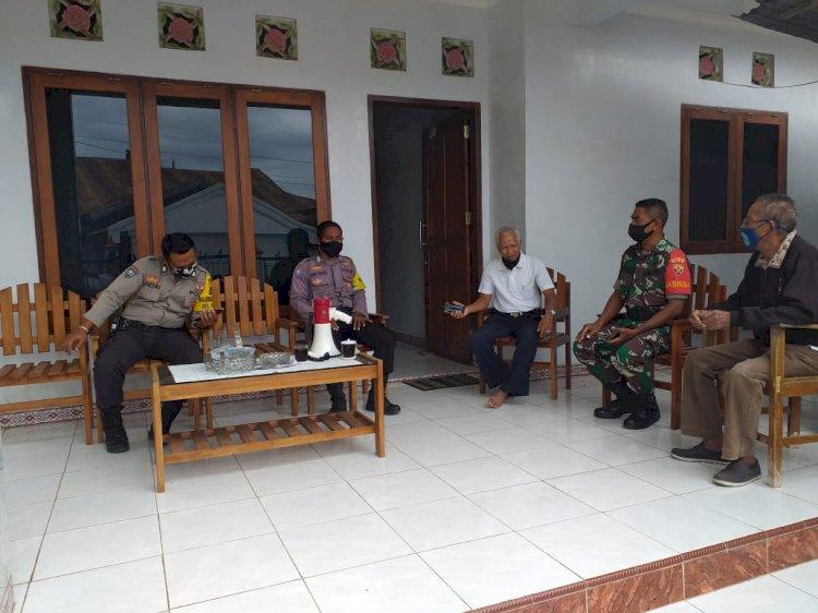 Antisipasi Penularan Virus Corona, Bhabinkamtibmas Bersama Babinsa Kelurahan Oebufu Sambang dan Imbau Tokoh Masyarakat