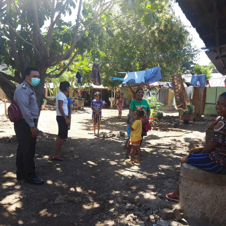 Gencar Sampaikan New Normal, Bhabinkamtibmas Kelurahan Lasiana Beri Himbauan Warga Binaanya