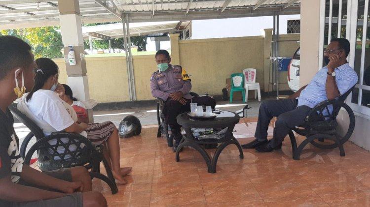 Bhabinkamtibmas Kelurahan Oebufu Berikan Himbauan Terkait New Normal