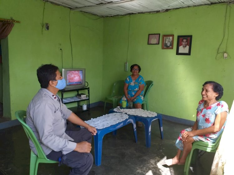 Penerapan New Normal, Bhabinkamtibmas Kelurahan Oeba Imbau Warga Patuhi Protokol Kesehatan
