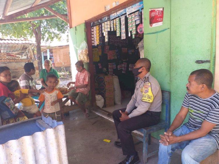 Sambangi Warga, Bhabinkamtibmas Kelurahan Naikolan Berikan Himbauan Kamtibmas di Tengah Pandemi Covid-19