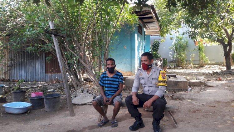 Sambangi Warga, Bhabinkamtibmas Kelurahan Naikoten 1 Imbau Warga Binaan Jangan Lupa Tetap Taat Protokol Kesehatan