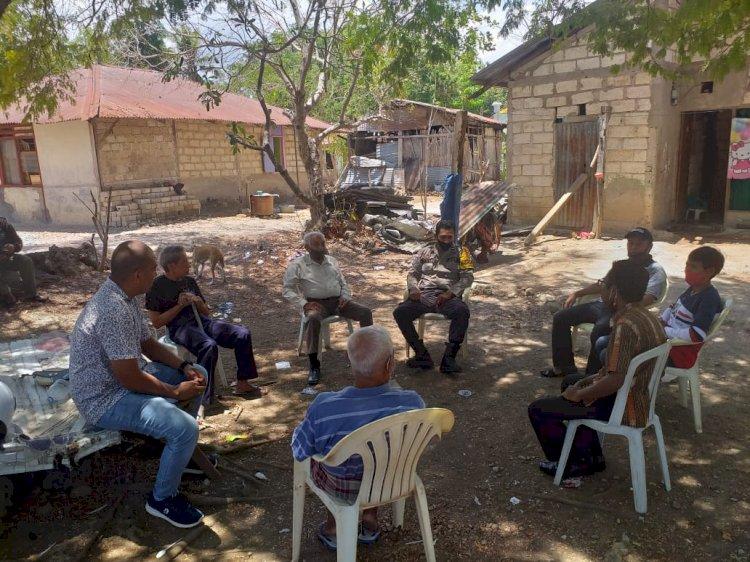 Bhabinkamtibmas Kelurahan Bakunase Sambang Tokoh Masyarakat, Sampaikan Himbauan Ikuti Protokol Kesehatan Untuk Mencegah Penyebaran Covid – 19