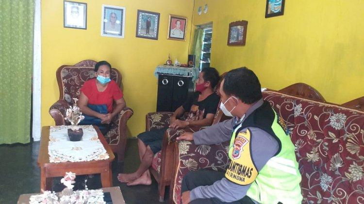 Cegah Penyebaran Covid 19, Bhabinkamtibmas Kelurahan Airnona Himbau Warga Patuhi Protokol Kesehatan