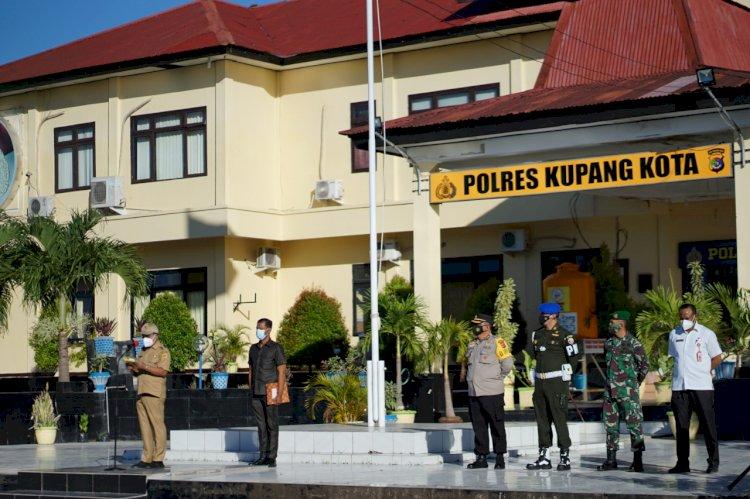 Polres Kupang Kota Laksanakan Apel Gelar Pasukan Serentak Dalam Rangka Operasi Ketupat  Ranaka 2021