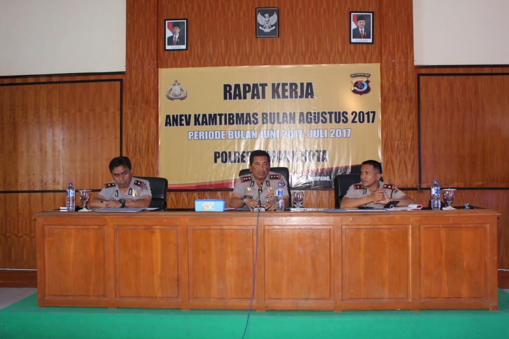 Kapolres Kupang Kota Pimpin Rapat Kerja Anev Kamtibmas Bulan Agustus 2017.
