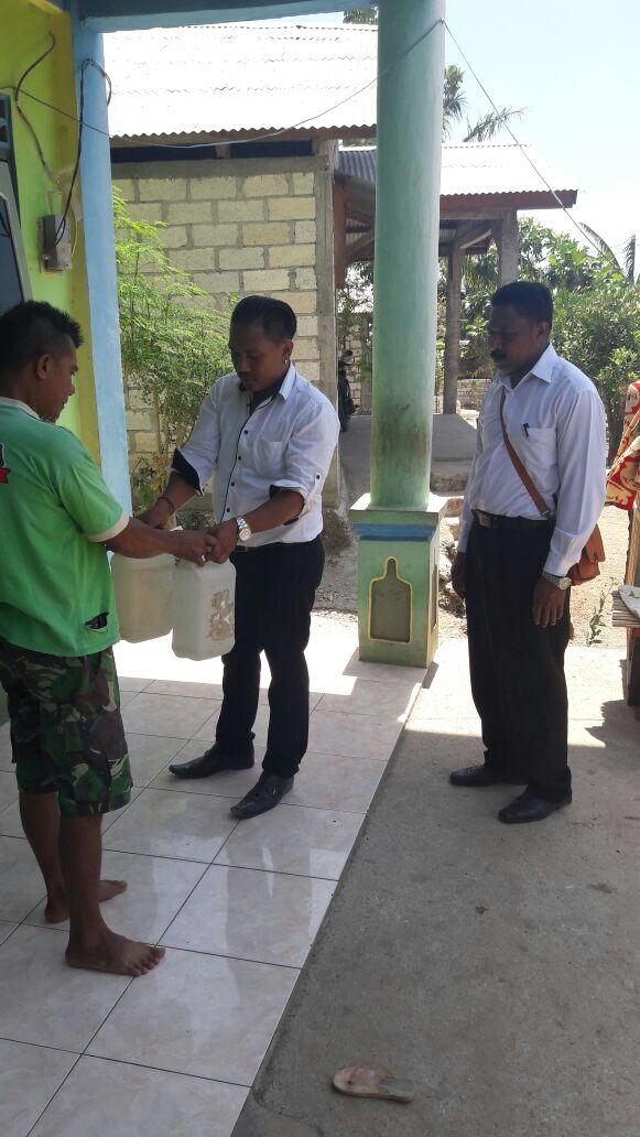 Satuan Narkoba Polres Kupang Kota Sita Puluhan Liter Miras Lokal saat Menggelar K2YD