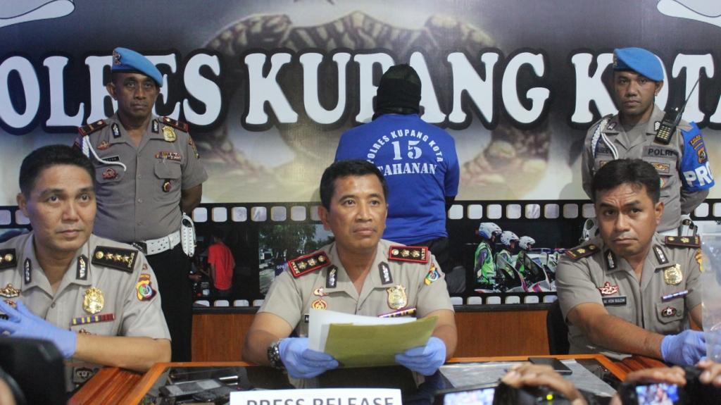 Seorang Pilot diamankan Sat Narkoba Polres Kupang Kota.
