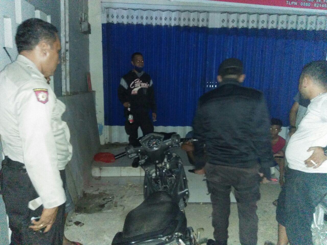 Patroli Dalmas Polres Kupang Kota Bubarkan Pemuda yang Sedang Miras di Pinggir Jalan