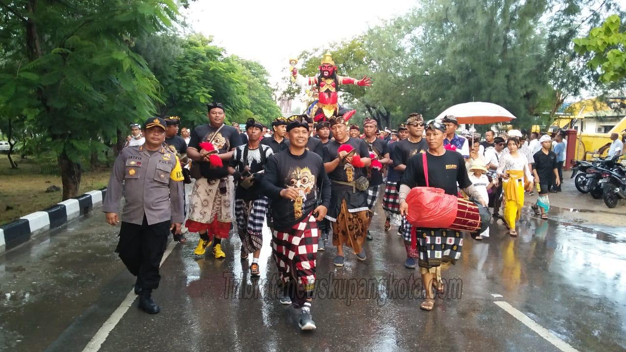 Personil Polres Kupang Kota Amankan Kegiatan Kupang Coklat Hijau Festival I Tahun 2019  dan Pawai Ogoh-Ogoh.