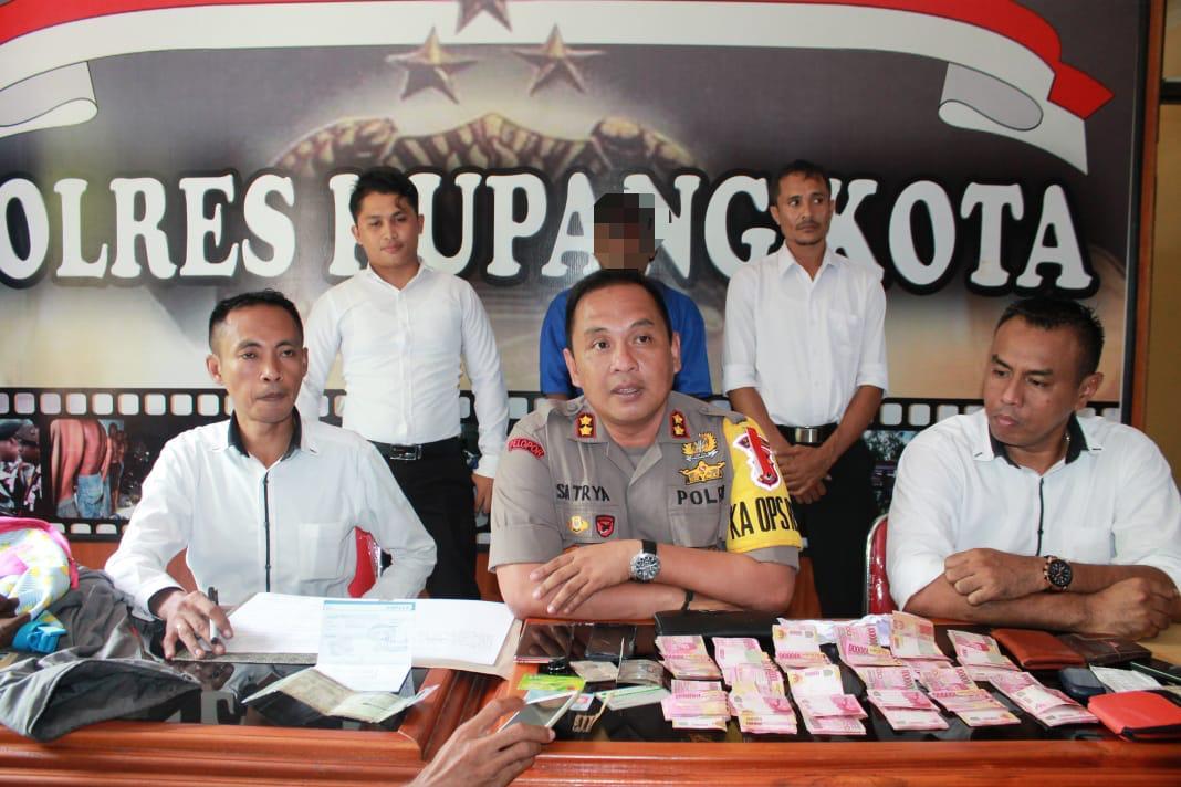 Polres Kupang Kota Bekuk Pelaku Pencurian Uang Modus Gembos Ban Mobil