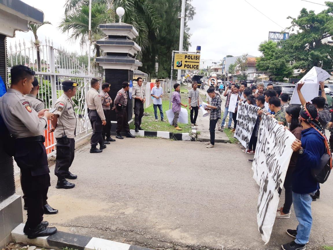 Pengamanan Unjuk Rasa Forum Aliansi Mahasiswa Manggarai Kupang