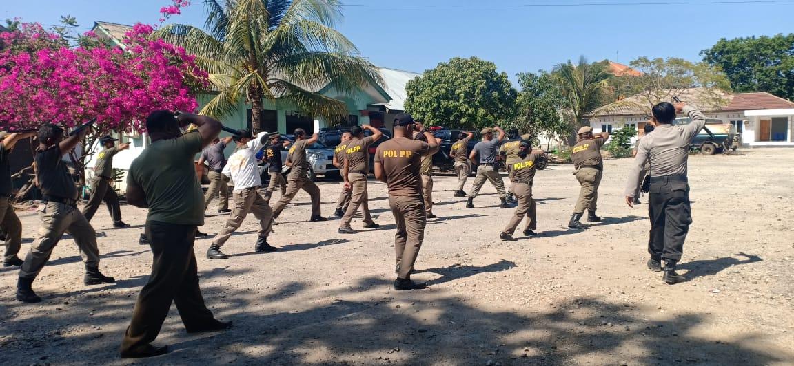 Satbinmas Polres Kupang Kota Berikan Pembinaan dan Pelatihan Kepada Satpol PP Kota Kupang