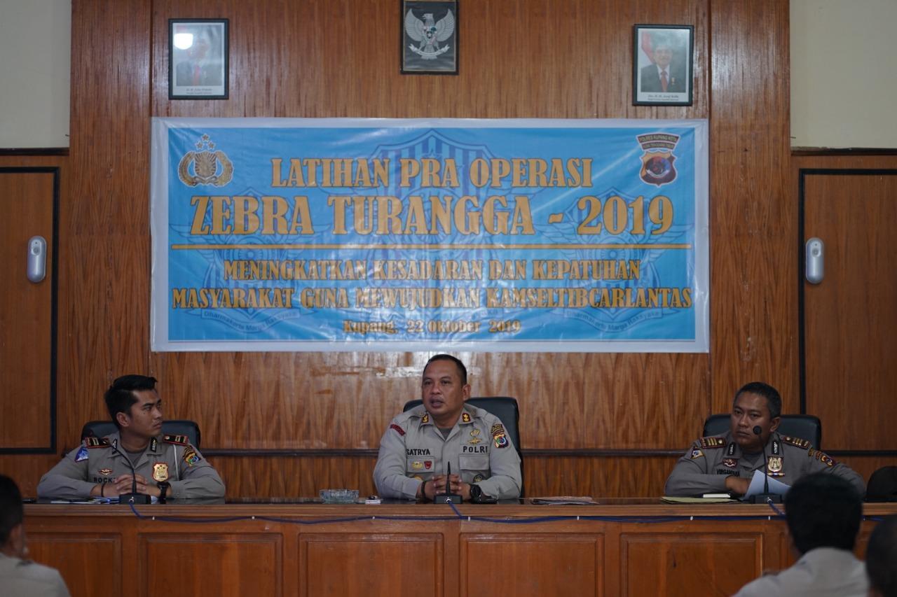Polres Kupang Kota Gelar Latihan Pra Operasi Zebra Turangga 2019