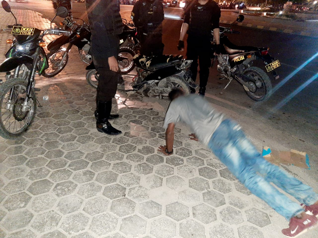 Sat Sabhara Polres Kupang Kota Beri Tindakan Kepada Pemuda yang Ugal-Ugalan di Jalan Raya
