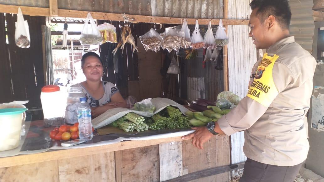 Antisipasi Gangguan Kamtibmas, Bhabinkamtibmas Kelurahan Liliba Sambang Penjual Sayur