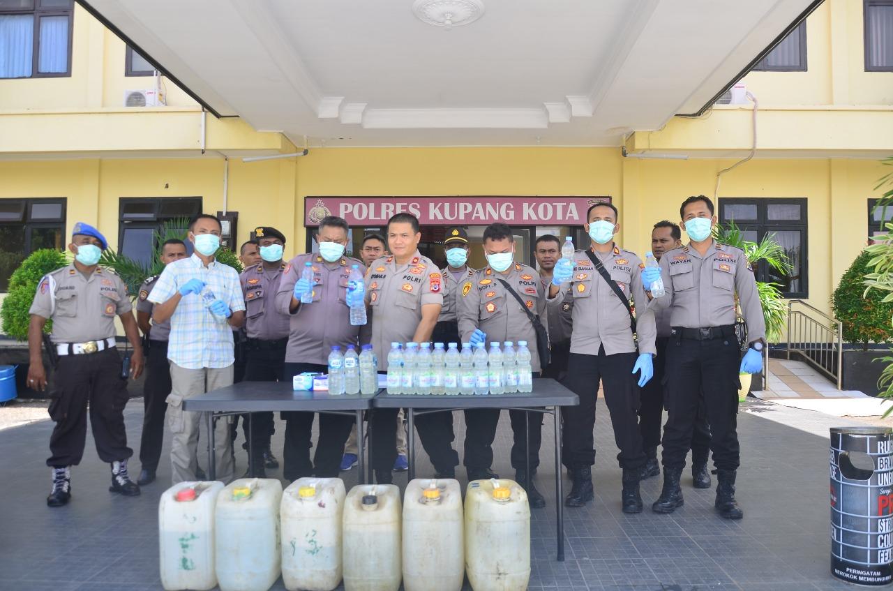 Pemusnahan Ratusan Liter Minuman Keras Oleh Polres Kupang Kota