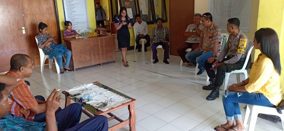Jalin Kerja Sama Dengan Pihak Kelurahan, Bhabinkamtibmas Kelurahan Oesapa Kunjungi Kantor Lurah Oesapa