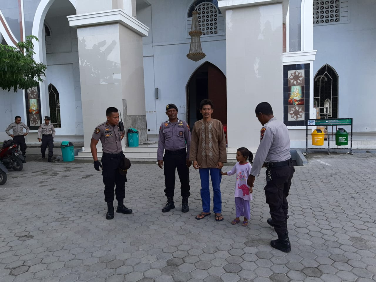 Satuan Sabhara Polres Kupang Kota Sambang Masjid Nurussa'adah Kota Kupang