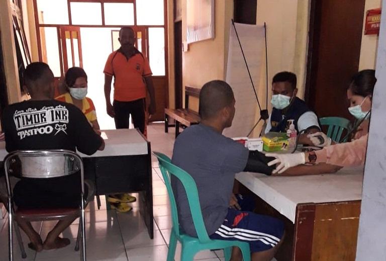 Penuhi Hak Tahanan, Urkes Polres Kupang Kota Berikan Pelayanan Kesehatan