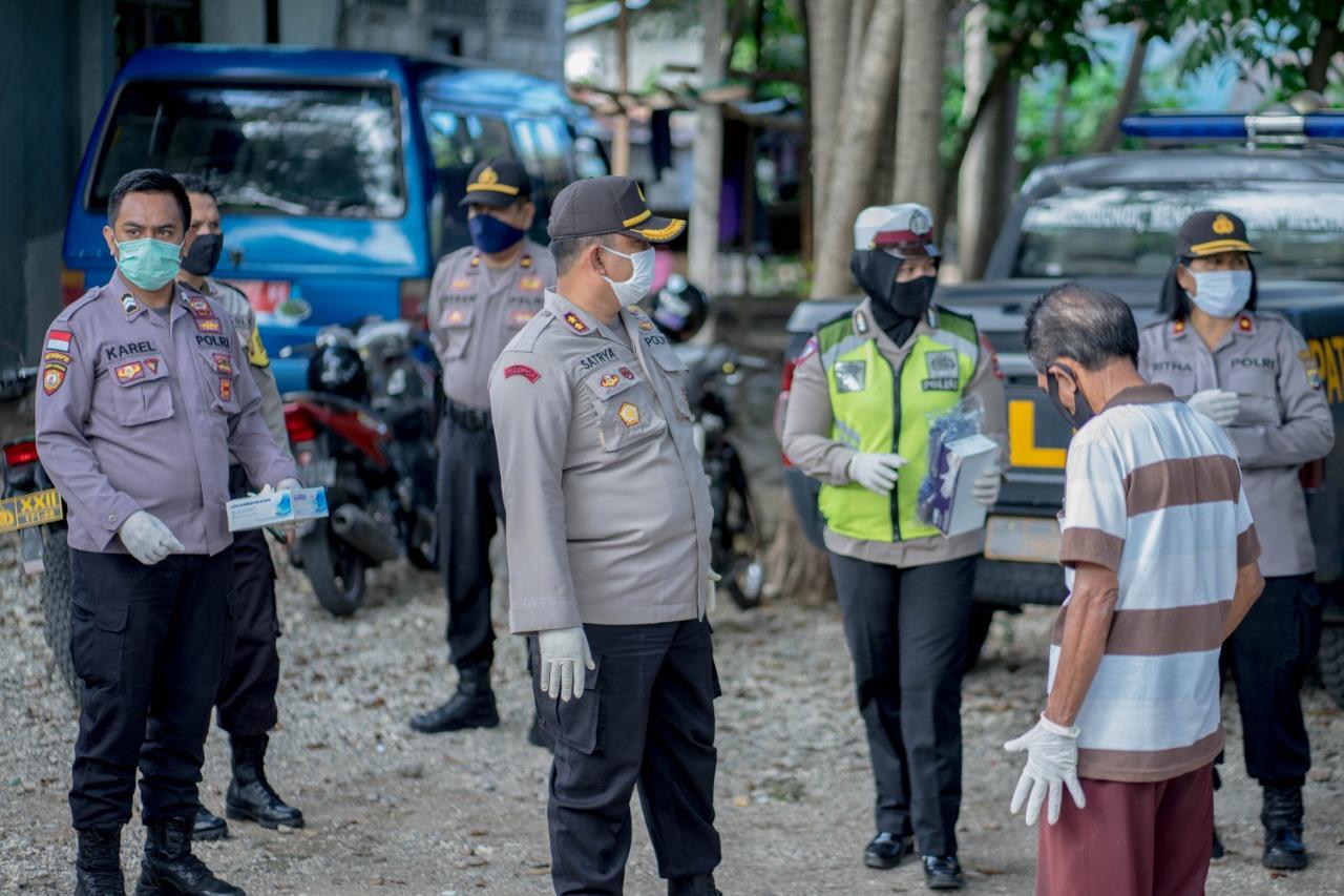 Polres Kupang Kota Laksanakan Bakti Sosial Polri Peduli Covid - 19